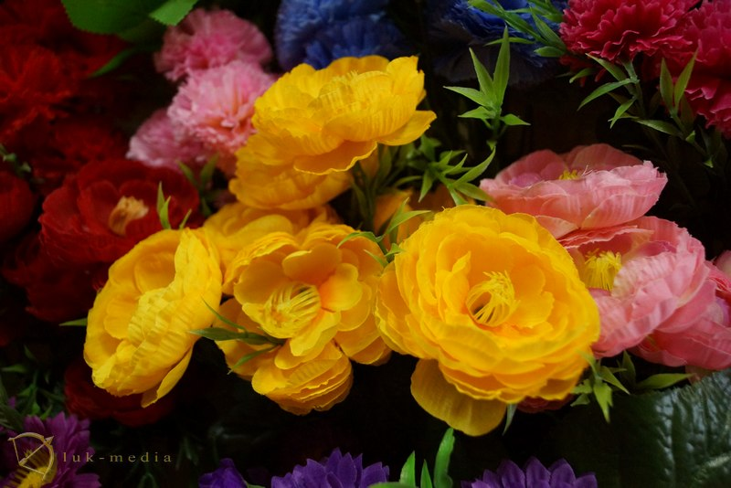 искусственные цветы ритуальные