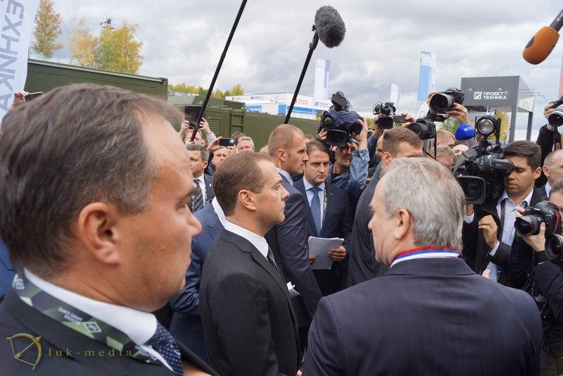 arms expo 2015 медведев