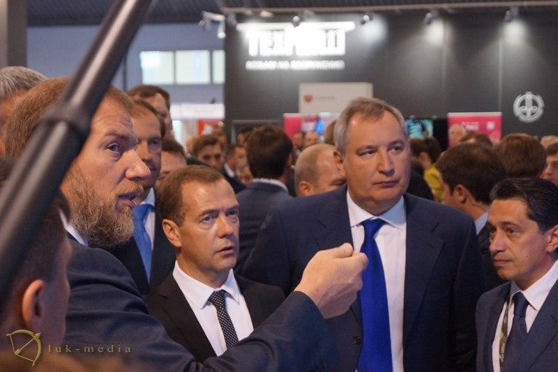 arms expo 2015 медведев рогозин