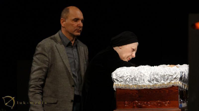 Прощание с Леонидом Броневым