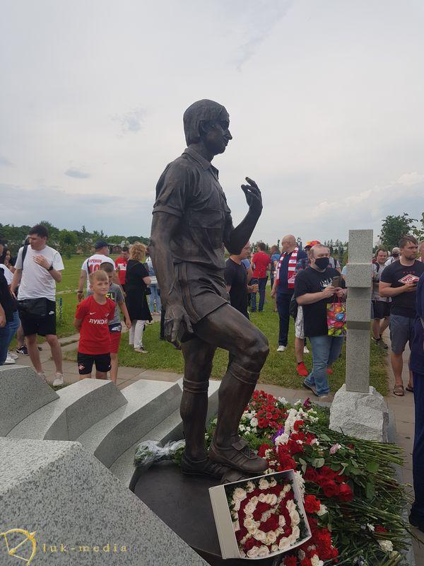 Памятник Фёдору Черенкову