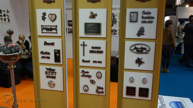 Бронзовые изделия на парижской похоронной выставке