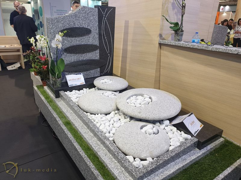 Гробы на парижской выставке 2019, часть первая