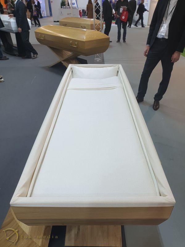 Гробы на парижской выставке 2019, часть вторая