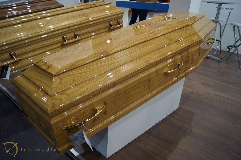 Гробы на выставке в Оренсе, часть первая