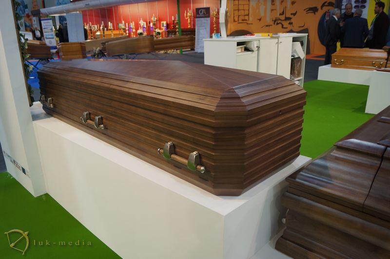 Производители гробов на выставке Funergal 2018, часть вторая