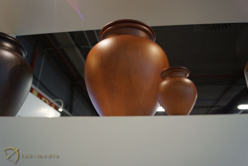 Похоронные товары на выставке в Валенсии