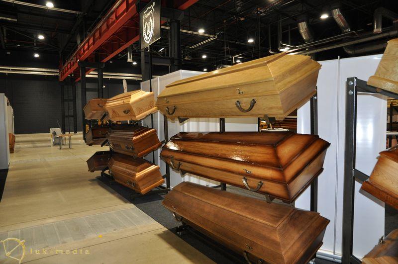Компания по продаже гробов из Варшавы
