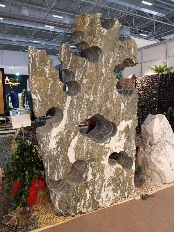 Камень на выставке в измире