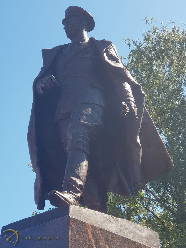 Открытие памятника Маргелову