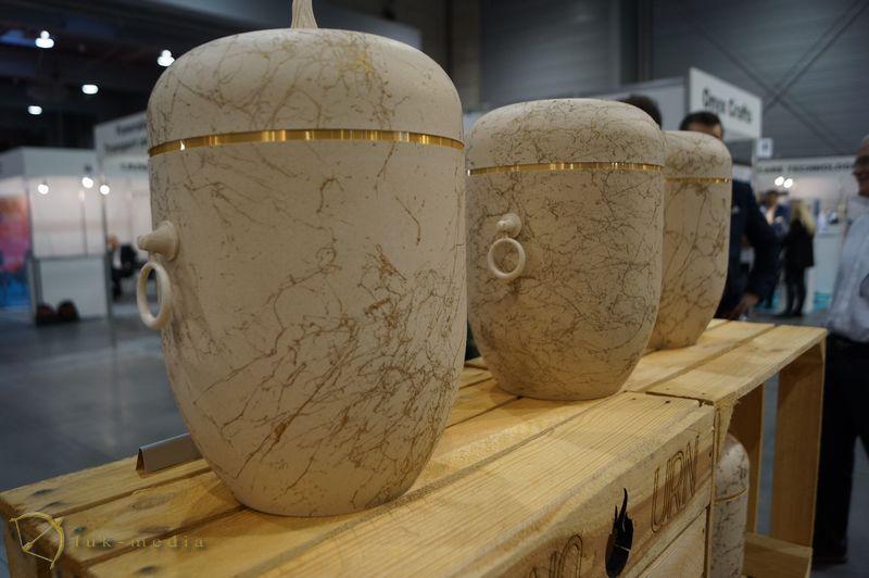 Урны на выставке в Познани