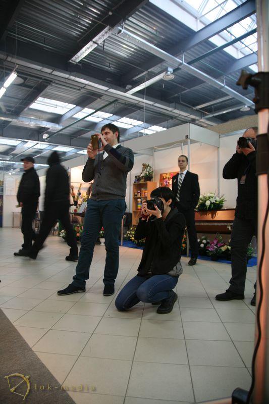 Мастер-класс траурной фотографии на выставке в Минске