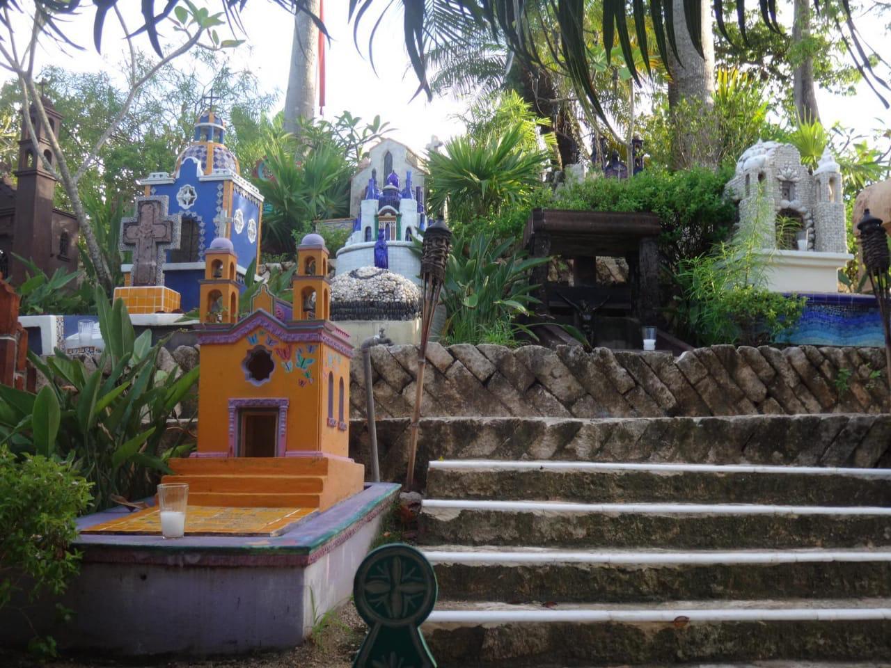 Необычное мексиканское кладбище