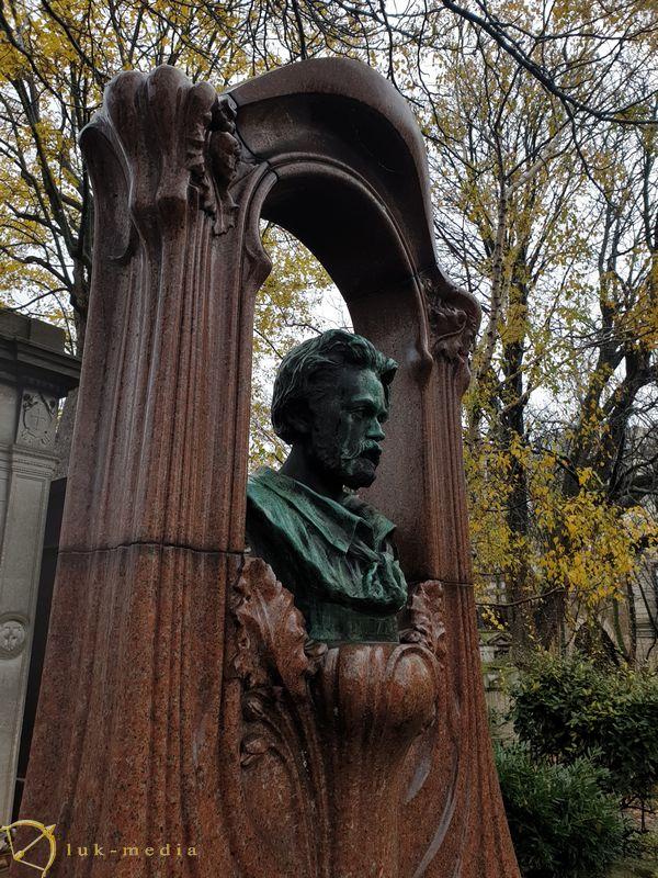 Кладбище Монмартр. Кенотаф Эмиля Золя