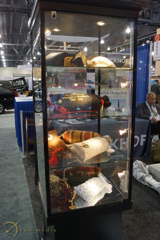 Похоронная выставка NFDA в Филадельфии