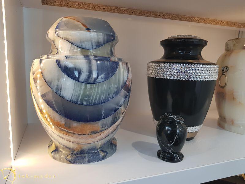 Урны на выставке Некроекспо 2019, часть вторая