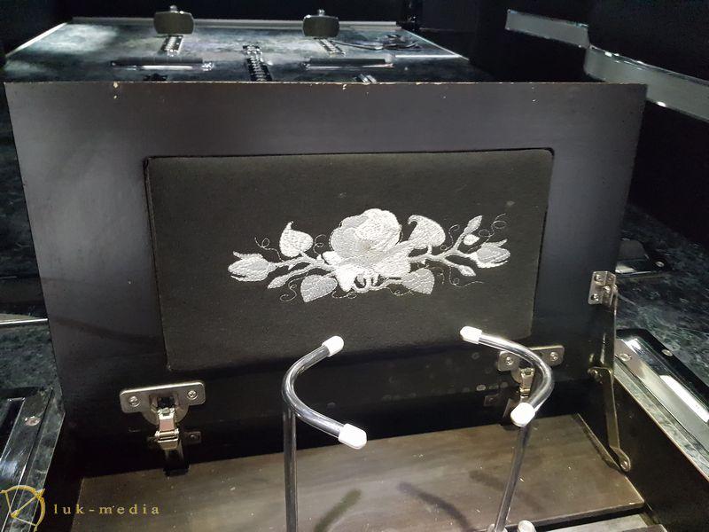 Катафалки на выставке Necroexpo 2019