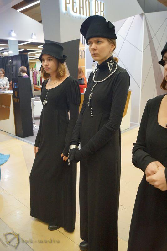 Дефиле траурной одежды