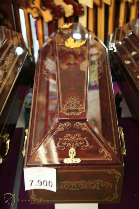 Гробы на выставке Некрополь 2018 часть третья