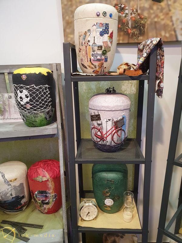 Урны на выставке в Дрездене, часть первая