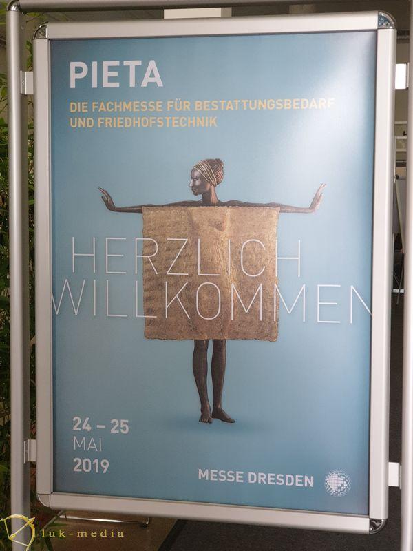 похоронная выставка pieta