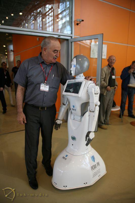 Робот Реал РК на выставке