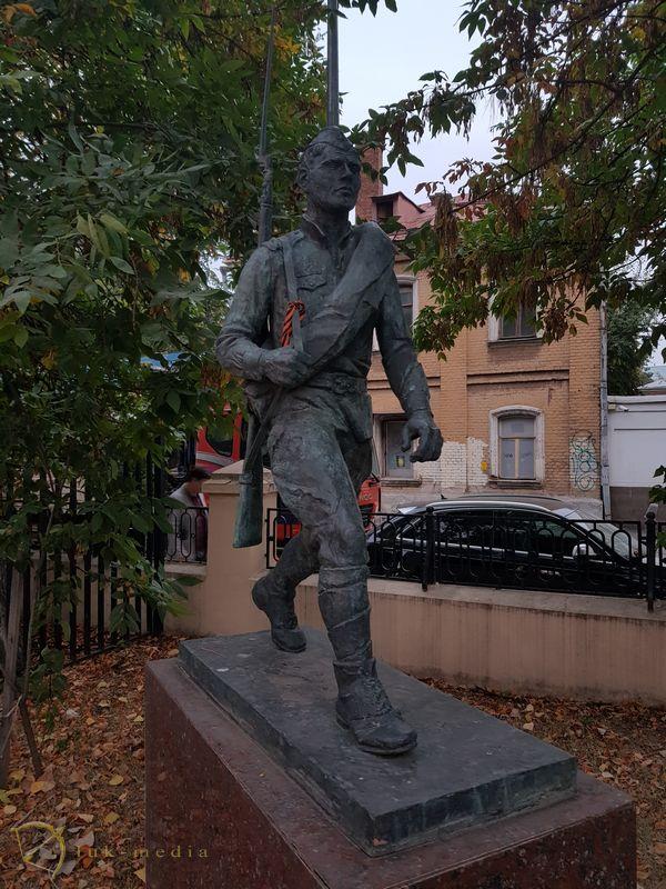 Сквер полководцев
