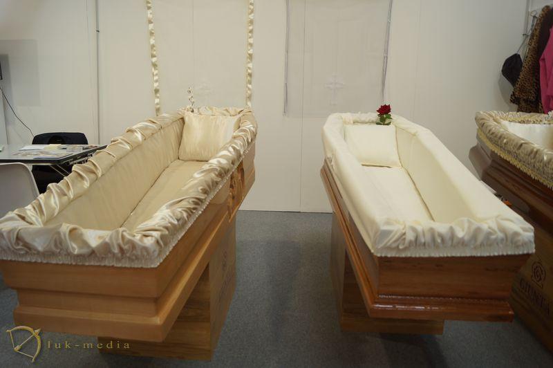 Гробы на выставке Tanexpo 2018
