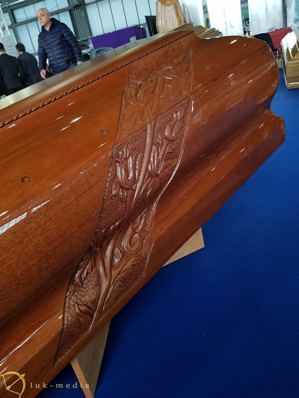 Гробы на выставке Tenerexpo 2019