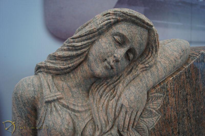 Памятники на выставке камня в Сямыне