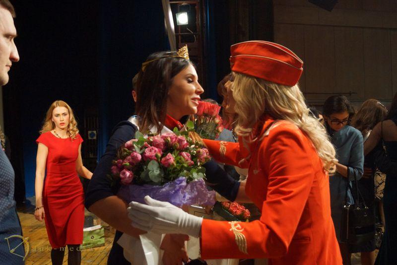 топ самых красивых стюардесс 2016