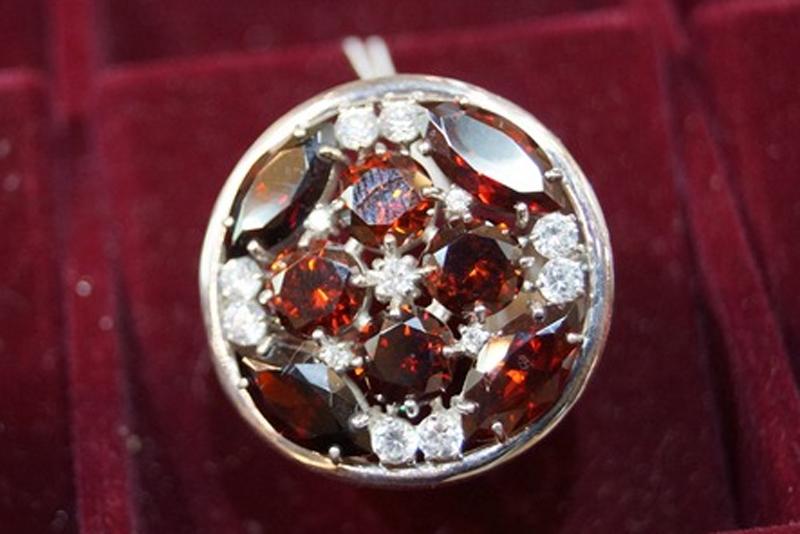 рубин камень свойства